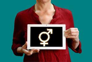 Les travestis et les transgenres sont-ils considérés comme des gays ?